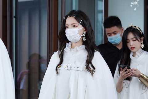 很仙的杨超越白裙子图片【4P】